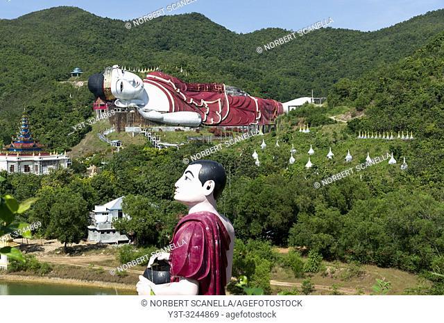 Myanmar (formerly Burma). Mon State. Yadana Daung Mawlamyine (Moulmein) surroundings, Win Sein Taw Ya temple, World's largest reclining Buddha