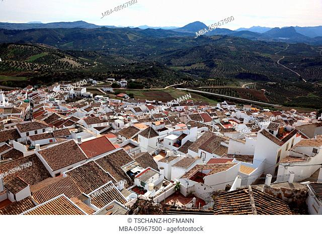 Spain, Andalusia, municipality of Olvera in the province of Cadiz, on the Ruta de los Pueblos Blancos, street of the white towns, view over the village