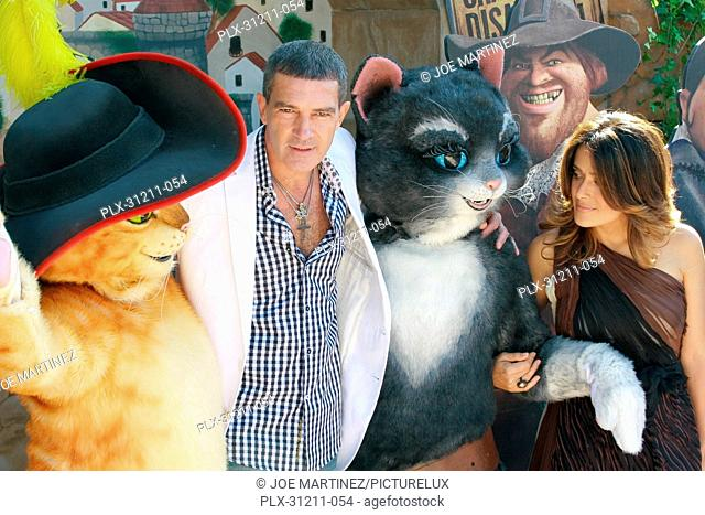 Antonio Banderas and Salma Hayek at the Premiere of DreamWorks' Puss in Boots. Arrivals held at Regency Village Theater in Westwood, CA, October 23, 2011