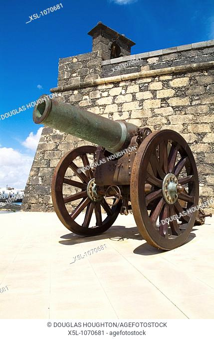 Castle San Gabriel ARRECIFE LANZAROTE Cannons by castle walls and bell tower
