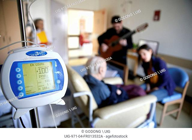 French NGO Musique et Sante (Music and Health), Music therapy