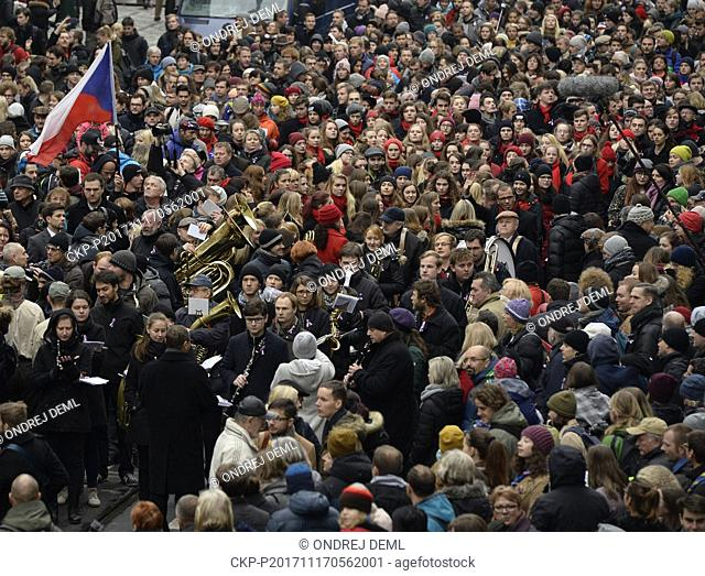 Thousands of people sing the national anthem within the event Korzo Narodni (Parade/Corzo National) which reminded to the 1989 events that lead to fall of...