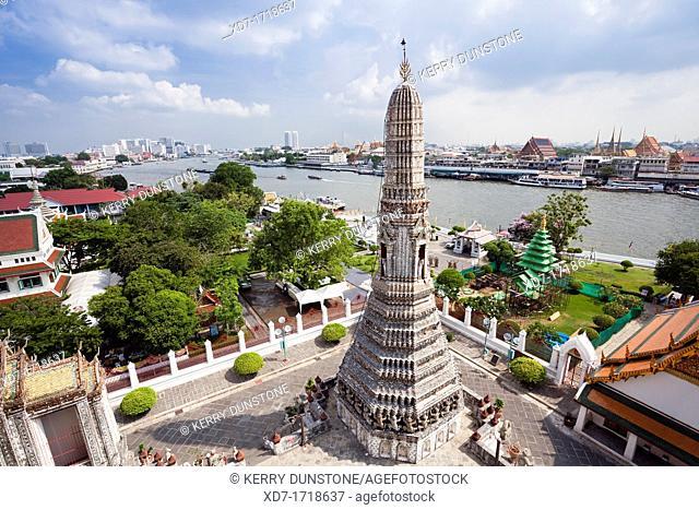 Views of Bangkok and the River, Wat Arun Rajwararam Temple of the Dawn, Thonburi, Bangkok, Thailand