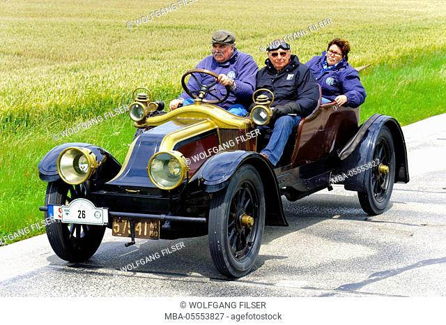 Old-timer rally 'Herkomer contention' in Landsberg in Lech for at least 80 year-old cars, here close Renault EF, year of manufacture in 1913