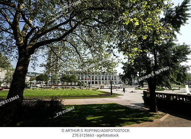 City Hall Gardens (Jardins de l'Hôtel de Ville), Place de l'Hôtel de Ville. Le Havre, UNESCO World Heritage Site, Seine-Maritime Department, Normandy, France
