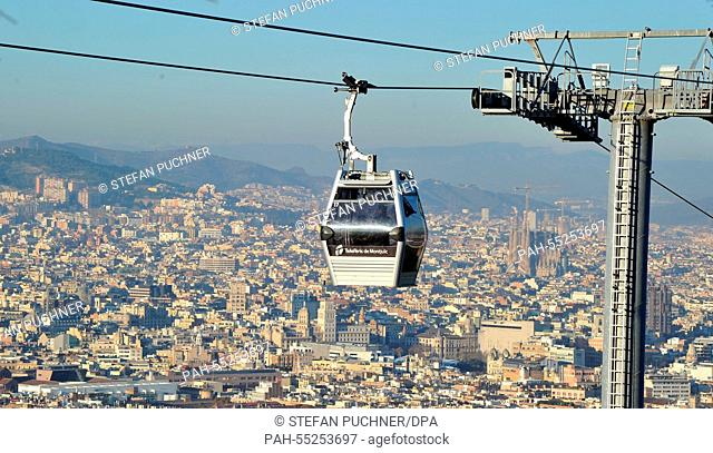 A cable car is in operation heading towards Montjuic in Barcelona, Spain, 10 January 2015. Photo: Stefan Puchner/dpa - NO WIRE SERVICE - | usage worldwide