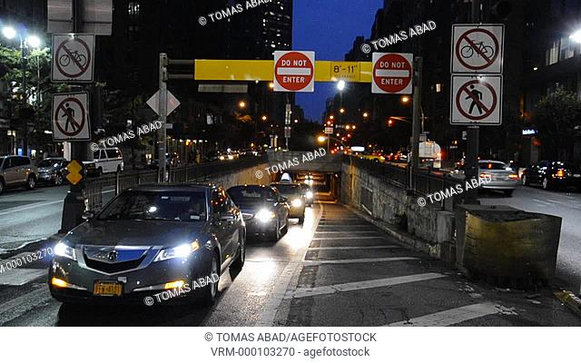 Cars entering Pershing Square bridge, Grand Central Terminal, East Side of New York City