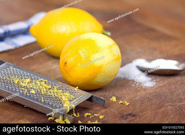 Zitronengeraspel