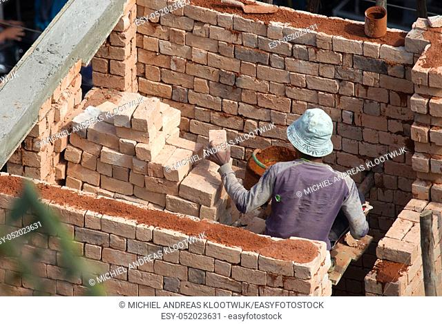 Masonry in Madagascar, building a new house