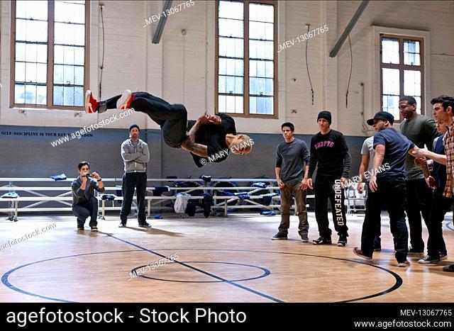 Josh Holloway, Chris Brown, Josh Peck, David Shreibman, Sawandi Wilson, Jon 'Do Knock' Cruz, Joshua Lee Ayers, Ivan 'Flipz' Velez