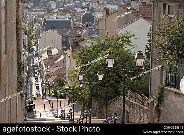 Rue en escalier du Cret du Roc, Saint-Etienne, departement de la Loire, region Auvergne-Rhone-Alpes, France, Europe/Sidestepping of Cret du Roc, Saint-Etienne