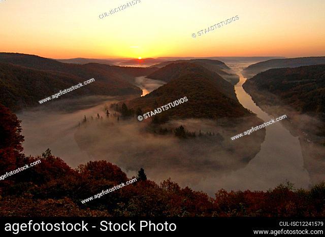 Big Loop of Saar River in autumn, Mettlach, Saar Valley, Saarland, Germany