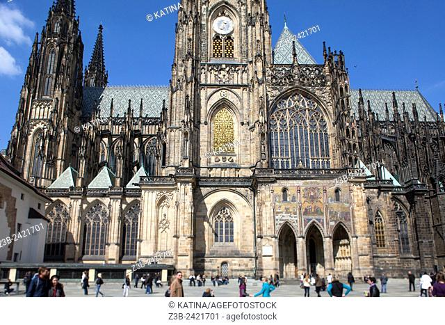 Side view of the gothic St Vitus Cathedral, built from 1344 at Prague Castle, Hradcany district, Prague, Praha, Czech Republic, Europe