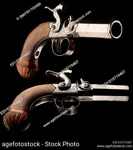 Small capsule pistol