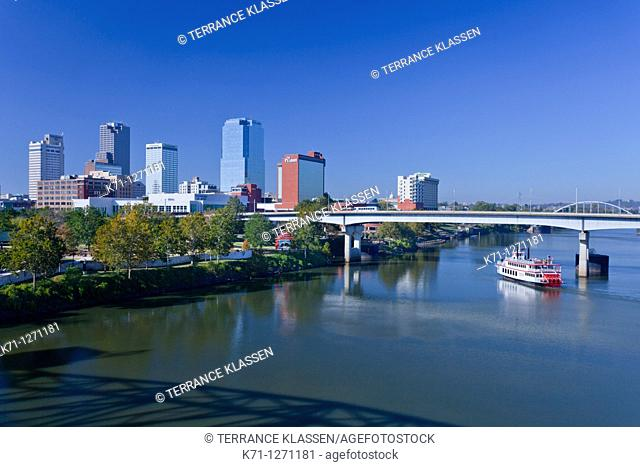 The Arkansas river and the skyline of Little Rock, Arkansas, USA