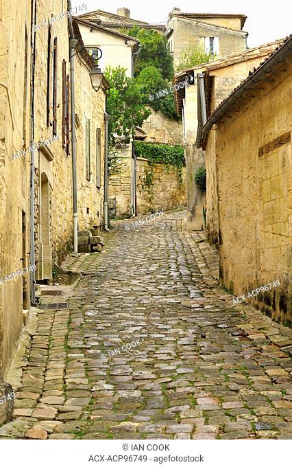 Rue de la Porte Saint-Martin, Saint Emilion, Gironde Department, Aquitaine, France