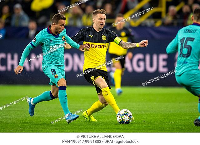 17 September 2019, North Rhine-Westphalia, Dortmund: Soccer: Champions League, Borussia Dortmund - FC Barcelona, group stage, group F, 1st matchday