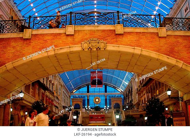 People at a shopping mall at Jumeira, Dubai, UAE, United Arab Emirates, Middle East, Asia