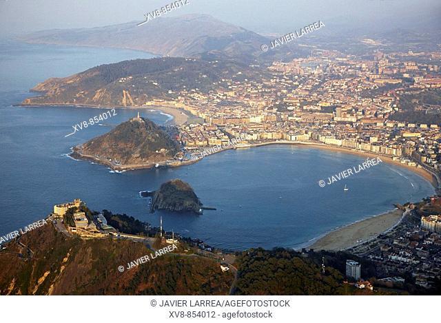 Bahia de La Concha, San Sebastián (Donostia), Gipuzkoa, Basque Country, Spain