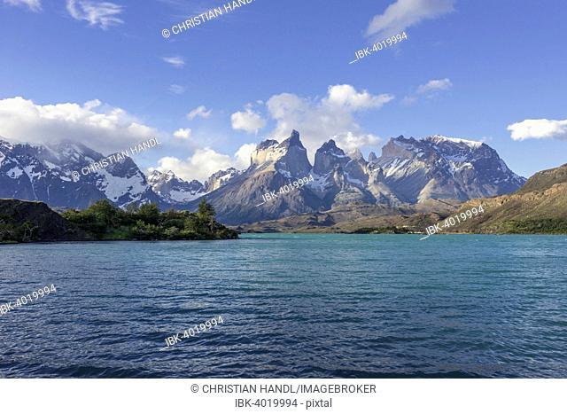 Pehoe Lake and Paine Grande Massif, Torres del Paine National Park, Magallanes y la Antártica Chilena Region, Chile