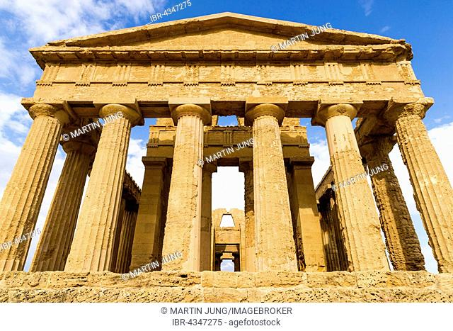 Greek Doric temple Concordia, 430 v. Chr., antiquity, Valley of the Temples, Valle dei Templi, Agrigento, Akragas, Sicily, Italy