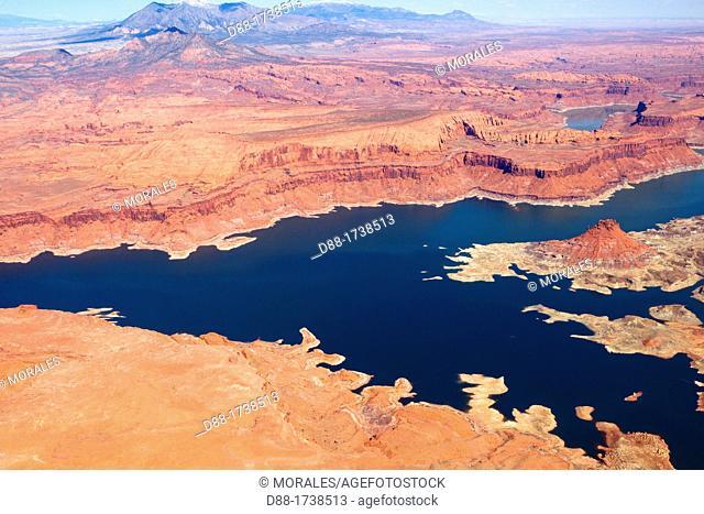 United States, Utah, Glen Canyon National Recreation area near Page, lake Powell