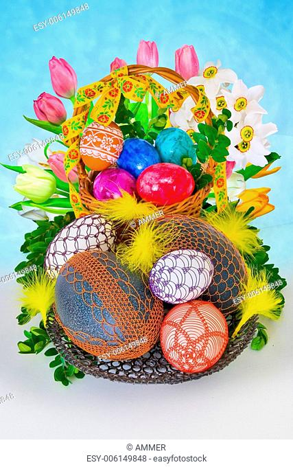 Easter Arrangement with eggs decorated wire