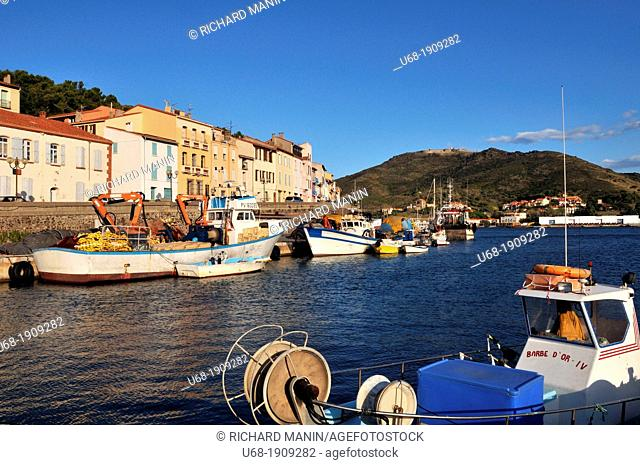 France, Pyrenees-Orientales, The port of Port-Vendres, fishing harbor, harbor and marina