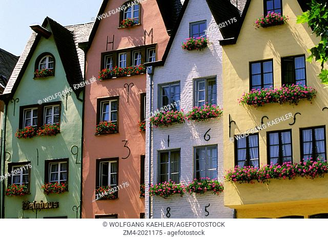 GERMANY, COLOGNE, OLD CITY, QUARTER OF ST. MARTIN, OLD HOUSES