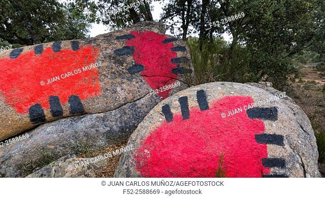 'Ibarrola en Garoza' (stones painted by Agustín Ibarrola in Garoza), Muñogalindo, Avila, Castilla y León, Spain, Europe