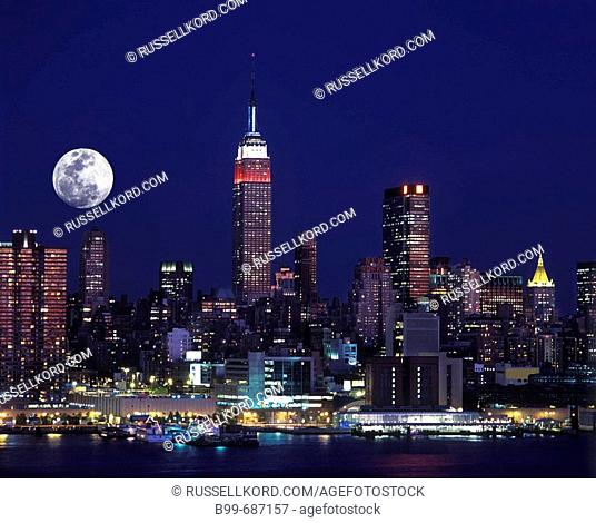 Empire State Building, Midtown Skyline, Manhattan New York, USA