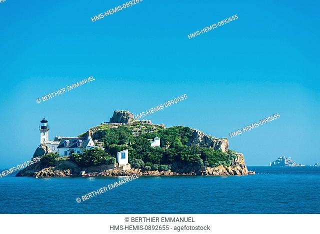 France, Finistere, Carantec, Ile Louet in Baie de Morlaix