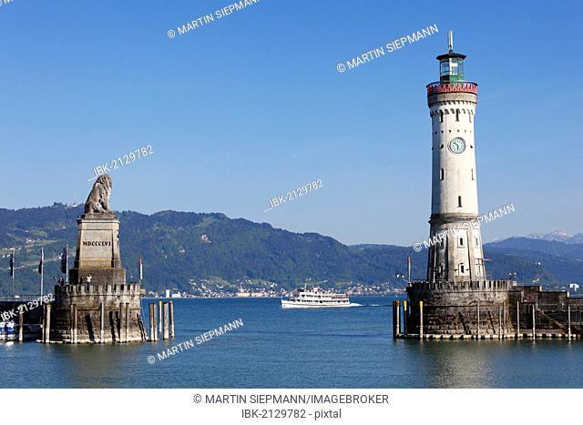 Harbour with lighthouse and Bavarian lion, Lindau on Lake Constance, Swabia, Bavaria, Germany, Europe, PublicGround