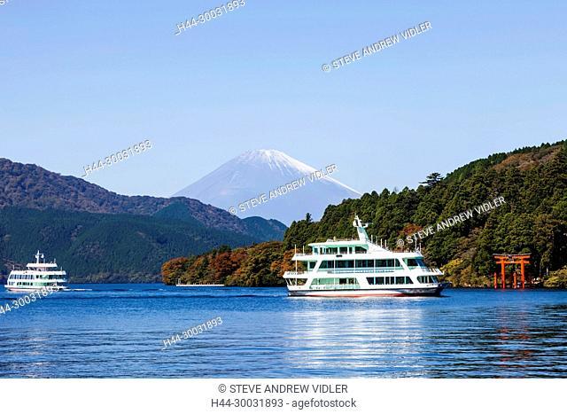 Japan, Honshu, Fuji-Hakone-Izu National Park, Lake Ashinoko, Sightseeing Tour Boat and Mt.Fuji
