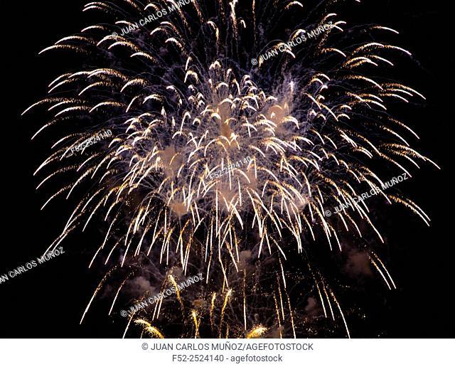 Fireworks, Aste Nagusia (English: Great Week) the main festival of Bilbao, Bizkaia, Basque Country, Spain, Europe