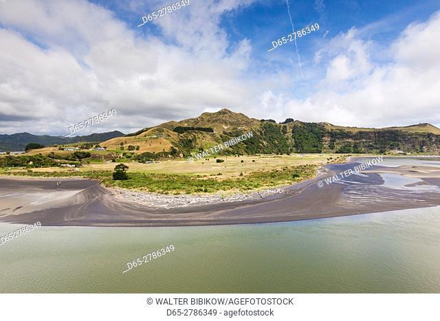 New Zealand, North Island, Mokau, Mokau harbor landscape
