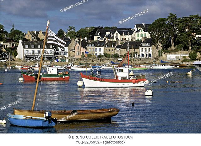 view of the port of Benodet on the port of Sainte Marine, finistere, brittany, france