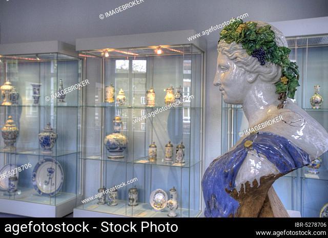 Hetjesmuseum, faiences, porcelain, Düsseldorf, North Rhine-Westphalia, Germany, Europe