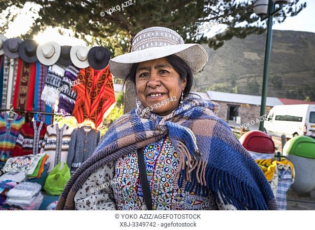 Peru, Yanque, woman