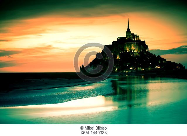 St Michael's Mount and its Bay at sunset, Manche Department, Basse-Normandie region, Normandy, France, Europe