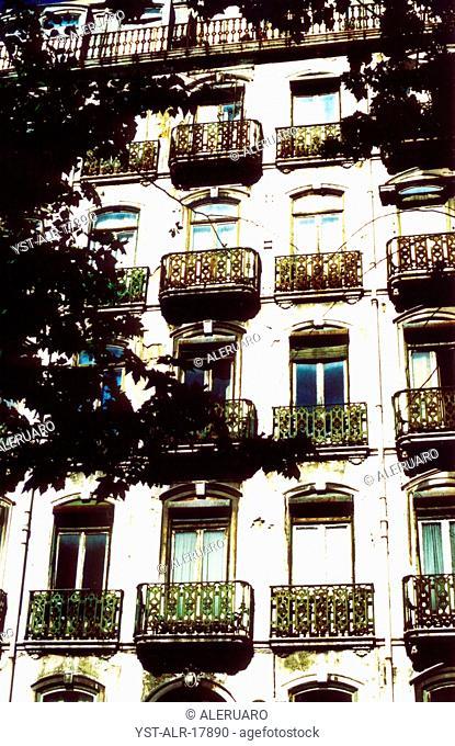 Building, balcony, windowns, sky