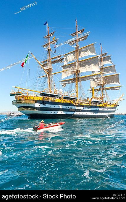 22 August 2020 - The Italian Navy sail Tall ship AMERIGO VESPUCCI in the harbour of Taranto, Italy; The vessel Amerigo Vespucci is the training-ship of the...