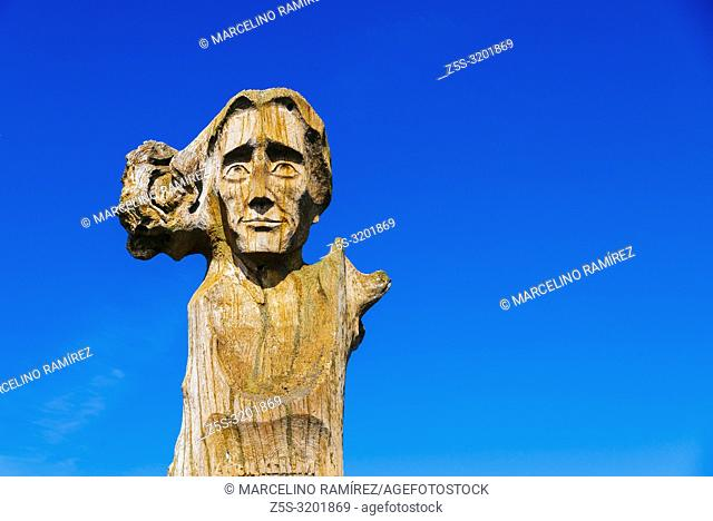 Solid oak sculpture representing Ludwig Rhesa, consistorial councillor of the Evangelical Church in Prussia and a professor at the University of Königsberg