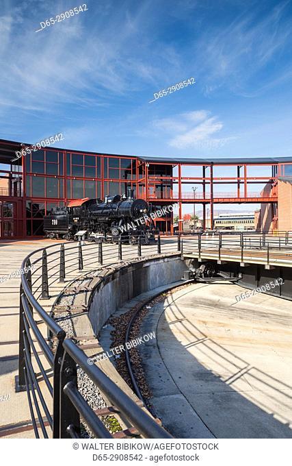 USA, Pennsylvania, Scranton, Steamtown National Historic Site, steam-era railroading turntable