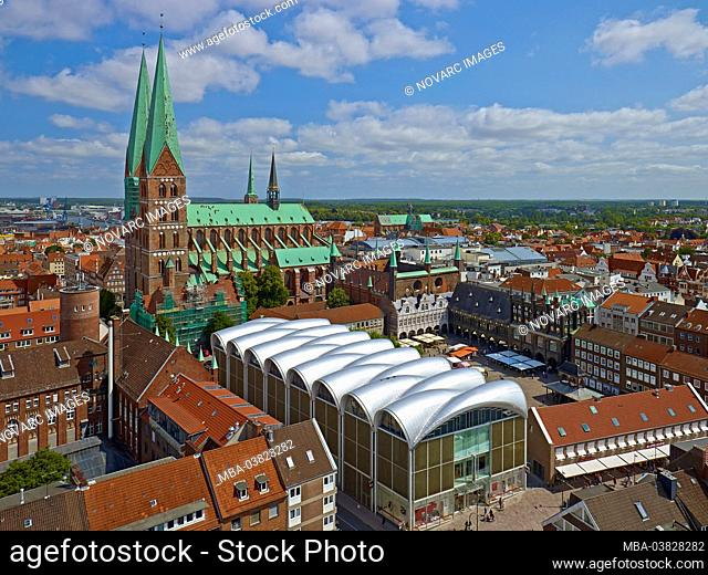 Panoramic view to St. Mary's Church and market with town hall, Hanseatic City Lbeck, Schleswig-Holstein, Germany