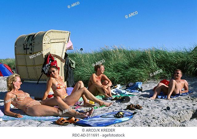 Family on the beach of Heiligenhafen, Kieler Bucht, Schleswig-Holstein, Germany