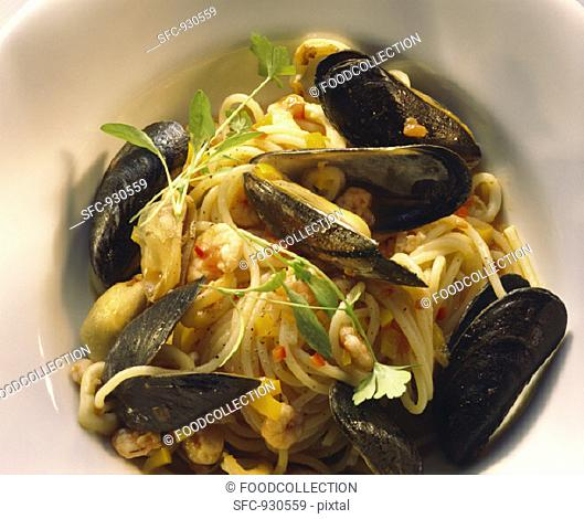 Linguini with Seafood and Basil