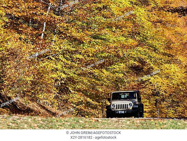 Autumn scenic drive, White Mountains, New Hampshire, USA