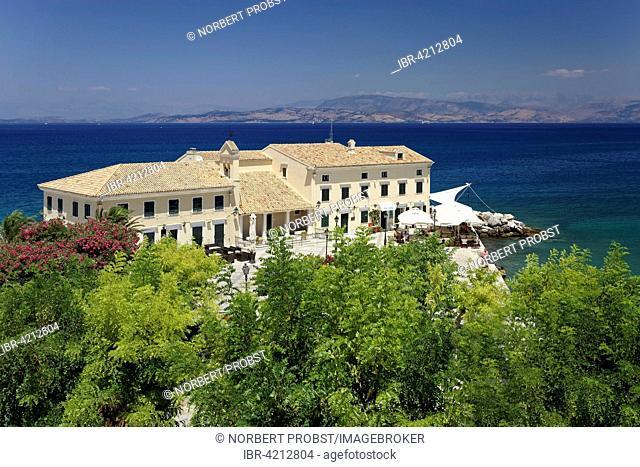 Faliraki bath with En Plo café and restaurant, Island Vido, also Ptichia, Albanian coast behind, historic centre, Corfu, Kerkyra, Unesco World Heritage Site