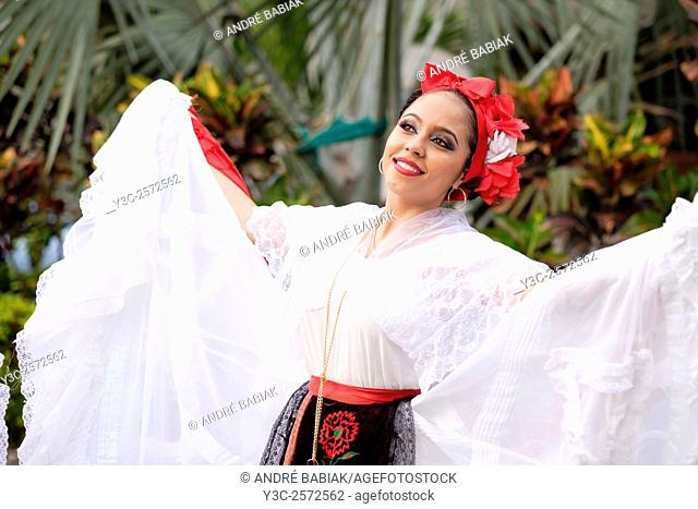 Puerto Vallarta, Jalisco, Mexico. Xiutla Dancers - a folkloristic Mexican dance group in traditional costumes representing the culture and different regions of...